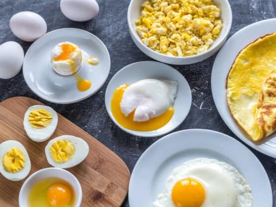 comer huevos