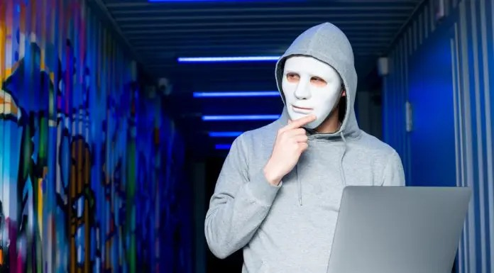 Elon Musk responde amenaza de grupo Anonymous