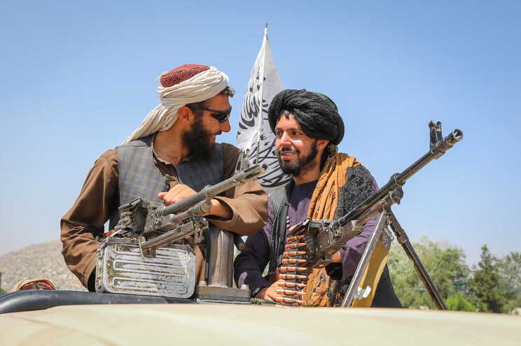 talibanes ejecutan a ex policia embarazada